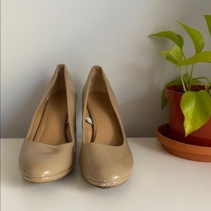 Tan Patent Style heels (size 8)